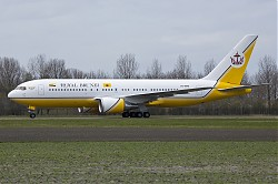 V8-MHB_B767-200__Royal_Brunei_29_april_2013_eham_1600_.jpg