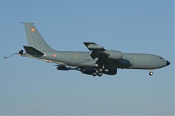 France-Air_Force_Boeing_C-135FR_Stratotanker_738-93CJ_28SPL_16-12-200729.jpg