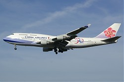 China_Airlines_B747-400_B-18208_28SPL29.jpg