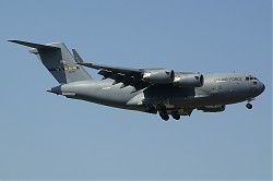 USA-Air_Force_Boeing_C-17A_Globemaster_III_04-4135_28Ramstein29.jpg