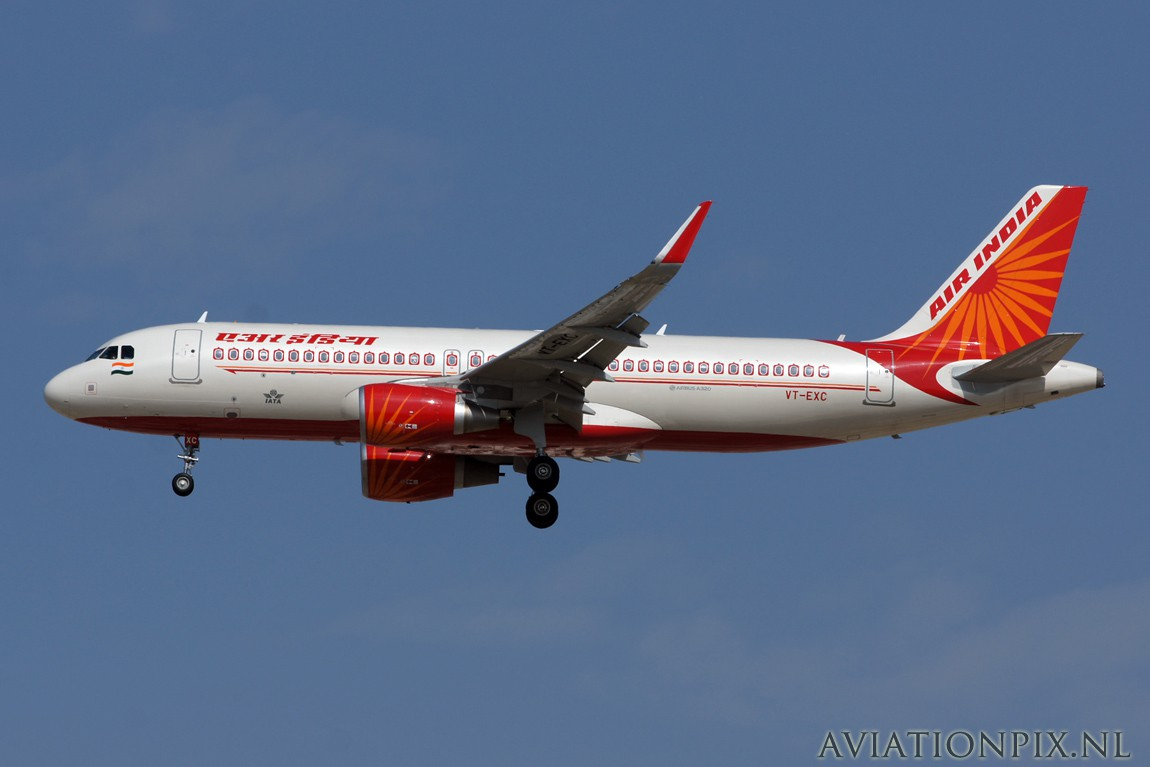 http://www.aviationpix.nl/albums/userpics/10055/7774_A320_VT-EXC_Air_India.jpg