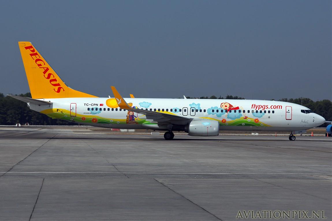 http://www.aviationpix.nl/albums/userpics/10055/normal_3535_B737_TC-CPN_Pegasus_Ada_E.jpg