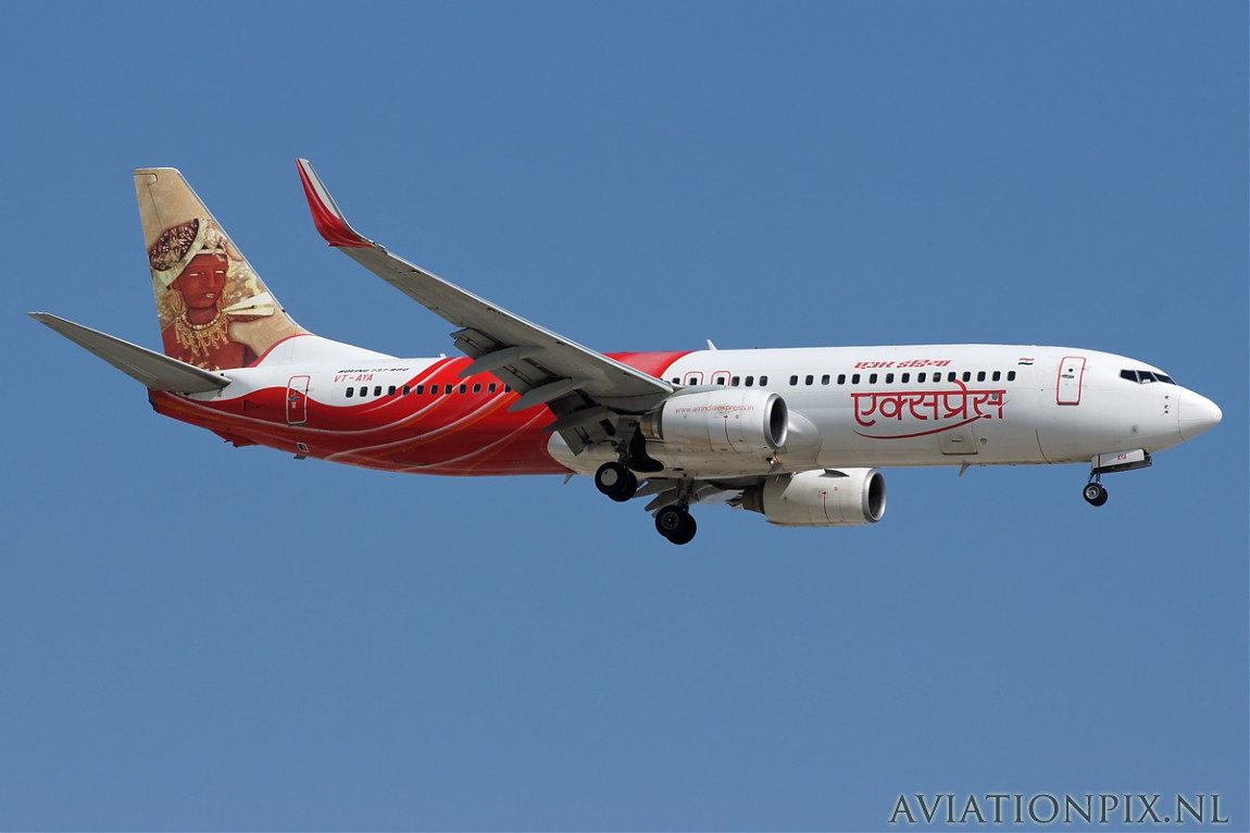 http://www.aviationpix.nl/albums/userpics/10055/normal_6651_B737_VT-AYA_Air_India_Express.jpg