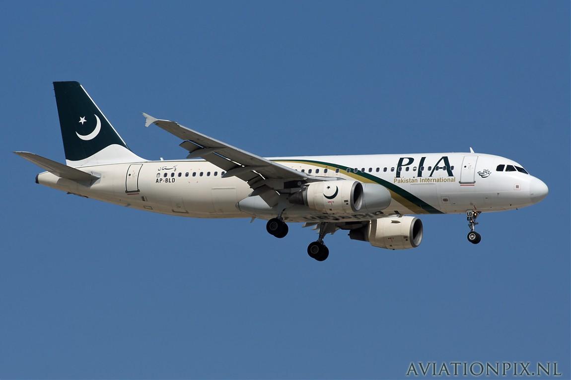 http://www.aviationpix.nl/albums/userpics/10055/normal_6846_A320_AP-BLD_PIA.jpg