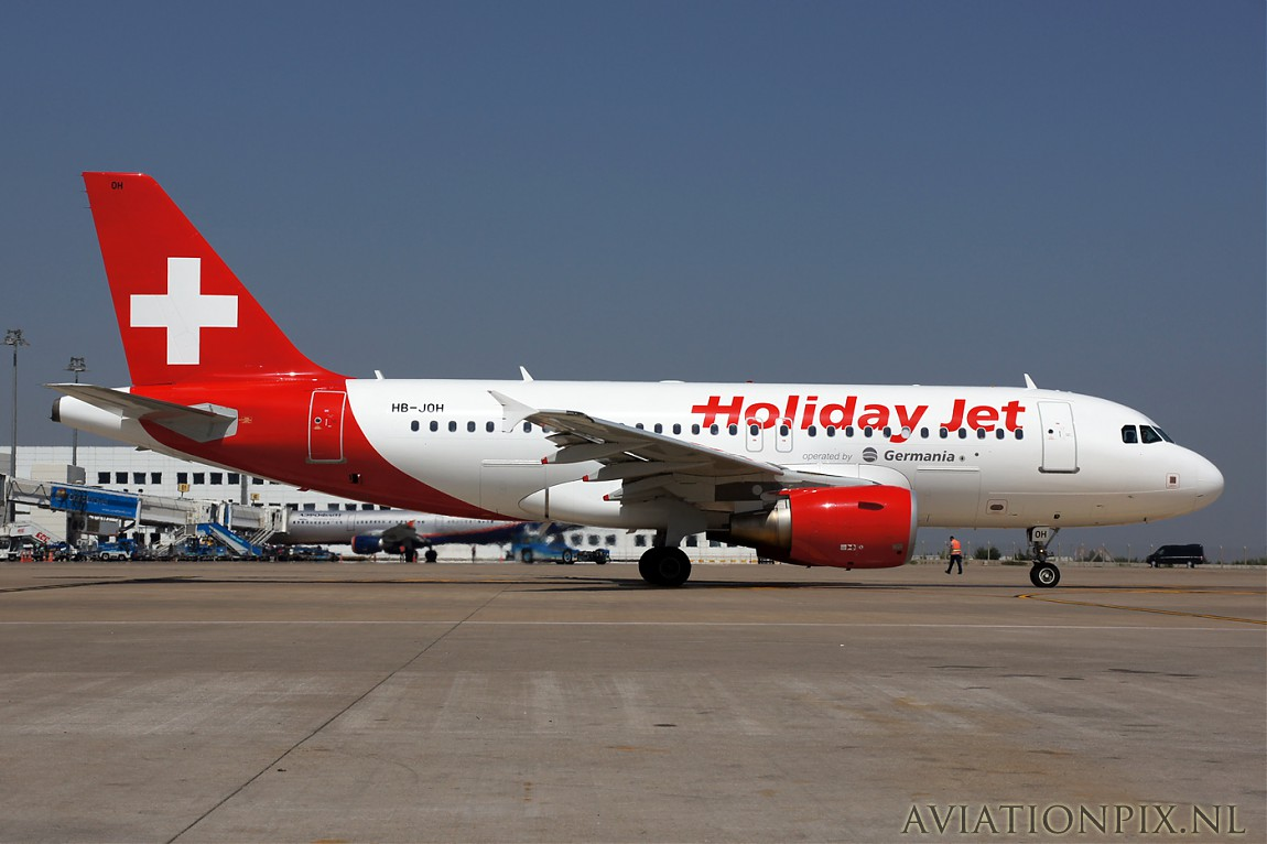 http://www.aviationpix.nl/albums/userpics/10055/normal_8875_A319_HB-JOH_Holiday_jet.jpg