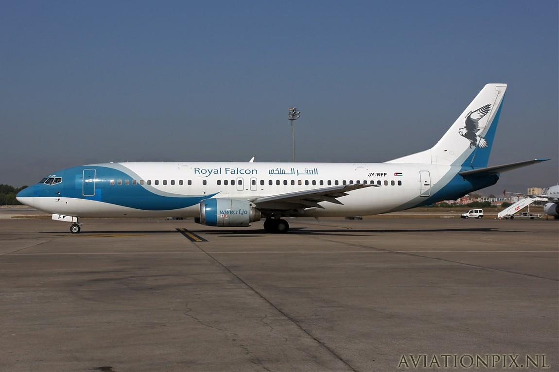 http://www.aviationpix.nl/albums/userpics/10055/normal_9390_B737_JY-RFF_Royal_Falcon.jpg