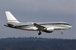1942_A319CJ_P4-MIS_Global_Jet_Luxembourg.jpg