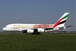 2087_A380_A6-EEB_Emirates_Arsenal.jpg