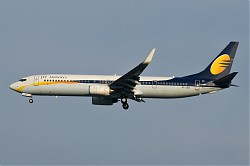 2426_B737_VT-JBZ_Jet_Airways.jpg