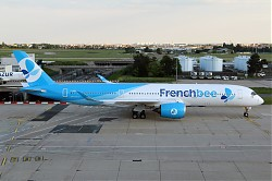 3105_A350_F-HREU_French_Bee.jpg