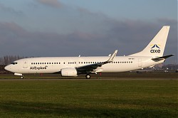3926_B737_OM-IEX_Air_Explore.jpg
