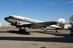4881_DC3_N43xx_Thunderbird_flying_service.jpg