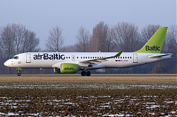 6653_CS300_YL-CSA_Air_Baltic.jpg