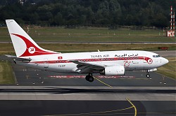 8251_B737_TS-IOP_Tunis_Air_Retro.jpg