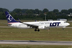 8359_B737_SP-LWA_LOT.jpg