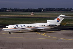 B727_TC-RAC_Holiday_DUS_1995_1150.jpg