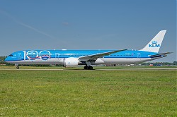 KLM_-_Royal_Dutch_Airlines_B787-10_Dreamliner_PH-BKA_-_03a_-_2560_-_EHAM_-_20200506_-_Apix.jpg