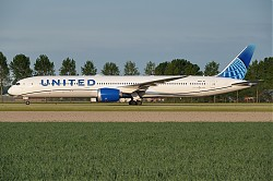 United_Airlines_B787-10_Dreamliner_N14011_-_01_-_1150_-_EHAM_-_20200516.jpg